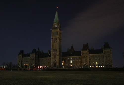 Parliament buildings, Ottawa, Ontario, Canada - lights off © WWF-Canada/Patrick Doyle