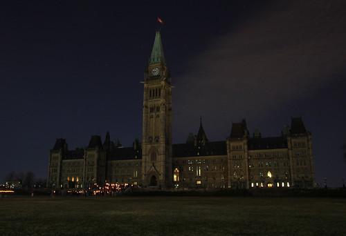 Parliament buildings, Ottawa, Ontario, Canada - lights off © WWF-Canada/Patrick Doyle