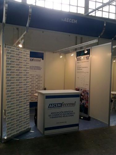 El stand de AECEM antes de abrir las puertas by aecem
