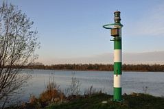 De rivier De Amer met lichtbaken - The river Amer with a beacon of light (RuudMorijn) Tags: river nationalpark beacon amer nationaalpark beaconoflight deamer lichtbaken debiesbosch