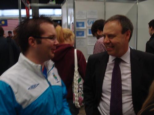 Nigel Dodds MP talks with DUA Member
