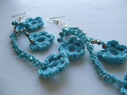 Crocheted flowers turquoise