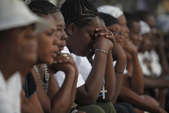 Rezando en Haití un mes después