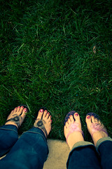 day 25:365 gratitude::painted toes (herreragirls {{Heidi}}) Tags: feet grass toes pedicure 365 gratitude toenails paintedflowers 365daysofgratitude paintedpretties veryspringlike makesmewantnewflipflops