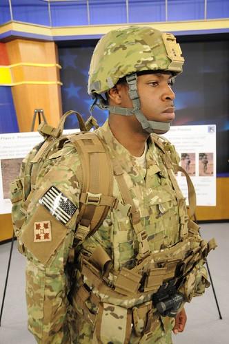 你拍攝的 美軍投入阿富汗戰事將配發新式多地型迷彩與DANNER登山靴作為制式配備。