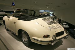 Porsche 356 Polizei (rbpdesigner) Tags: building slr cars tourism car architecture canon germany deutschland europa europe stuttgart 911 culture voiture coche porsche architektur carro 5d autos turismo allemagne  polizei cultura coches alemanha carrera polcia porsche356 356 993 dreammachine porschemuseum bundesrepublikdeutschland badenwrttemberg patrolcar polica sonhodeconsumo  patrulla esportivo llens canoneos5d porsche356speedster weilimdorf  canonllens gaisburg 356speedster superesportivo  porsche993 lentel canonef1635mmf28liiusm estugarda porschepolizei velhomundo   velhocontinente mquinadossonhos repblicafederaldaalemanha museuporsche porsche911polizei polciaporsche 356polizia porsche356polizia porsche356polcia
