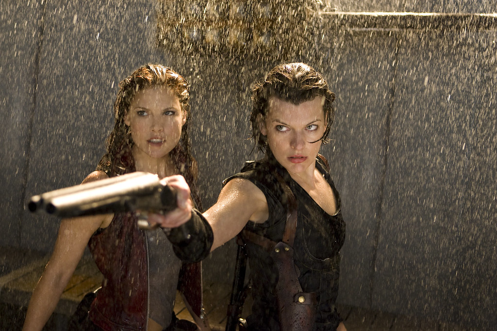 Resident Evil Afterlife Ali Larter and Milla Jovovich