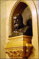 Budapest (Barbara DALMAZZO-TEMPEL gone and back again... len) Tags: budapest parlement intrieur buste architecte hongrie escalierdhonneur imresteindl