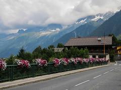IMG_1734 (Dvir Avraham 38) Tags: road travel blue mountain mountains nature trek landscape montebianco tmb montblnac tourdumontblnac