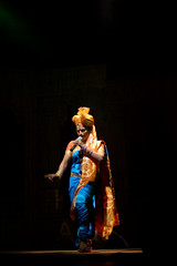 A dance pose (keyaart) Tags: india men women dancers folk mumbai lavani