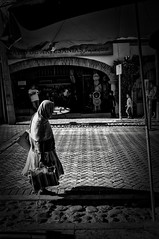 .La sombra y la edad. (DiegoJR.) Tags: blackandwhite photography streetphotography age fillthespace