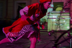 Capodanno 2014, c'era una volta (31) (clodyus) Tags: show italy italia story genova racconto théâtrederue italie streettheater spettacolo piazzadeferrari spectacle conte ceraunavolta gênes streetarts ligurie artsdelarue réveillondujourdelan ιταλία eveofnewyearsday vigiliadicapodanno artidistrada cieondadurto