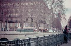 Lovers (Jardin Pamplemousse) Tags: paris by seine night de la cit saintmichel cite le le