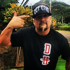 "Diners, Drive-ins & Dives Host GUY FIERI is taking a liking to his new #defendhawaii apparel! Sporting the #DefendHawaii ""HUNTING PATCH"" & #DefendHawaii ""SKULL CAP"" SnapBack, looking fresh! Mahalo @hanapaahoundz for this one right here! CHEEE! • <a style=""font-size:0.8em;"" href=""http://www.flickr.com/photos/89357024@N05/13395144353/"" target=""_blank"">View on Flickr</a>"