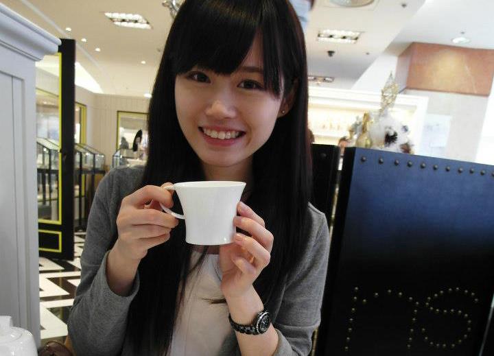 Koobii人氣嚴選30【世新大學—陳怡蓁】可愛又愛搞怪的國慶金釵美女