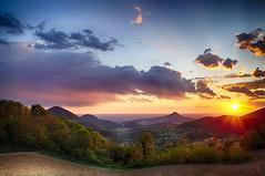 Tramonto dal Roverello (tampurio) Tags: sunset sky italy panorama sun sunlight tree colors clouds sunrise landscape italia tramonto nuvole sony cielo tramonti sole paesaggi paesaggio colline padova raggi collieuganei colli slta58