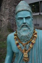 Thiruvalluvar (Tom Doel) Tags: green bloomsbury london soas sculpture statue thiruvalluvar