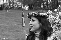 Roman goddess of war in B & W (A. Muiña) Tags: diosa romana aire libre histórica etnográfica callejera street personas gente representación guerra nikon d800 old antiguo boket desenfoque byn bw
