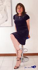 Navy blue velvet dress, black high sandals (Elsa Adriana) Tags: elsaadriana elsa sexylegs sandals tgirl travesti transvestite tbabe mature mexican dress