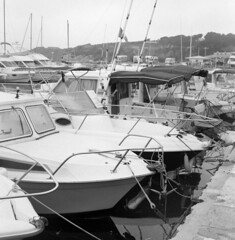 8605.Boats (Greg.photographie) Tags: mamiya c33 sekor 80mm f28 film analog foma fomapan 400 r09 noiretblanc bw blackandwhite mediumformat moyenformat 6x6 bateau bateaux boat boats sixfours
