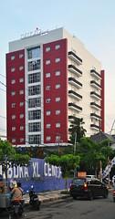 Hotel Amaris Jemursari (Everyone Sinks Starco (using album)) Tags: architecture arsitektur gedung building surabaya jawatimur eastjava hotel