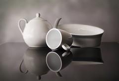 Reflejos en blanco (JACRIS08) Tags: porcelana reflejos blanco stilllife ruby5