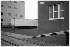 Mannheim, Hafen #2 (Christoph Schrief) Tags: mannheim hafen leicam2 zeisscbiogon2835 agfaapx100newneu selfdeveloped rodinal 150 10min 20° film analog sw bw