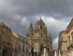 Sunday Colours - Duomo San Giorgio (Pushapoze (nmp)) Tags: duomosangiorgio italia italy sicilia ragusaibla dome church eglise chiesa