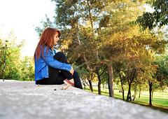 DSC_0229 copia (daniel_soprole) Tags: exterior exteriores mujer mujeres modelo shooting verde green plaza redhead pelirroja