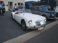 IMG_0208 (model44) Tags: hognoul ancêtres voiture oldtimer