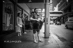 MONO9778 (h.m.lenstalk) Tags: leica m typ 240 summilux summiluxm 28mm 28 f14 14 114 11428 oz aussie australia australian street sydney people urban life city asph black white monochrome 246