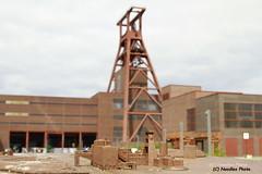Zeche Zollverein -  Zollverein Coal Mine (Noodles Photo) Tags: essen nrw deutschland germany zechezollverein schachtxii coalmine unescoworldheritagesite colliery unescowelterbe canoneos7d ef24105mmf4lisusm denkmal