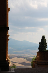 Orizzonte (charlie.gd) Tags: landscape horizon siena vertical