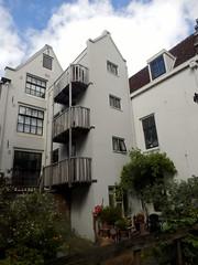 White Houses (Quetzalcoatl002) Tags: houses white neighbourhood garden amsterdam