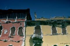 riflessioni (paolo agostini) Tags: chioggia riflessi rivavena riflessioni reflection reflections canalvena finestre window