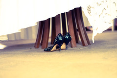 M&A (iBanfer) Tags: table shoes alone highheel wedddingnikond300sibanfer50mmemotion