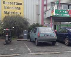 Renault Super 5 Five de 1988 3400 SP 37 - 21 mai 2013 (Rue de la Gitonniere - Joue-les-Tours) (Padicha) Tags: auto new old bridge france water grass car station electric truck river french coach ancient automobile eau indre may police voiture ruine cher rest former 37 nouveau et loire quai franais nouvelle vieux herbe vieille ancienne ancien fleuve nationale vehicule lectrique reste gendarmerie gazon indreetloire franaise pave nouveaut vhicule utilitaire restes vgtalise letramdetours padicha