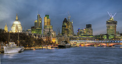 2012-11-05 18aa (JoaquinMadrid) Tags: city uk england color london skyline canon europa europe united capital kingdom ciudad londres hdr