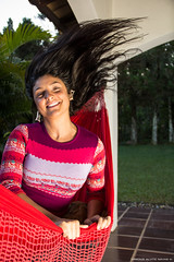 Cabelos 2 (Mr.Navas) Tags: light brazil portrait people luz girl brasil canon hair retrato mulher natalia movimento luzes moviment cabelos