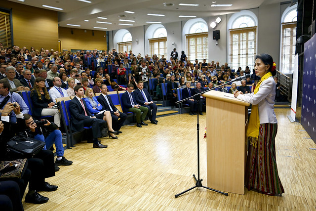 Daw Aung San Suu Kyi on politics and education at University of Warsaw