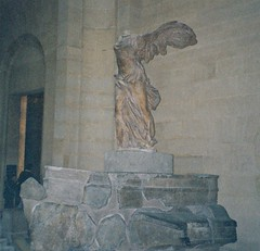 2003   Winged Victory of Samothrace @muse du Louvre #7 (dominotic) Tags: sculpture paris france history archaeology statue museum marble antiquities wingedvictoryofsamothrace musedulouvre hellenisticsculpture goddessnike wingedgoddessofvictory