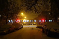 snowpiercer (KevinIrvineChi) Tags: cta ctabrownline chicago chicagoist chiberia chicagotransit publictransit publictransport illinois winter march 2017 night outdoors outside outdoor red yellow lights led railcar railroad rapidrail streetlight street snow snowy snowcovered snowfall snowstorm crossing railroadtracks railroadcrossing nearly empty albanypark trees amber glow glowing snowing cars parked sony dscrx100