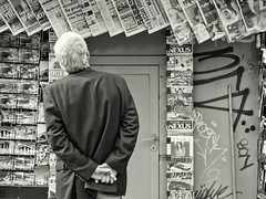 Catching up with the news... (Gianna Fou.) Tags: bw newspapers old man streetphoto