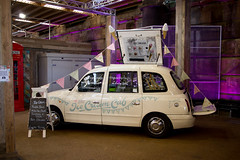 "The Ice-Cream Cab (Sheep""R""Us) Tags: battersea london england unitedkingdom gb taxi icecream bunting blackboard"