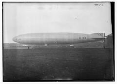 R-33 (LOC) (The Library of Congress) Tags: libraryofcongress dc:identifier=httphdllocgovlocpnpggbain29211 xmlns:dc=httppurlorgdcelements11 hmar33 r33 airshipr33 gfaag royalairforce raf royalnavy rn royalnavalairservice rnas r33classairship r33class aviation aircraft lighterthanair airship dirigible armstrongwhitworth sunbeammotorcarcompany sunbeammotorcar sunbeam sunbeammaori maoriengine sunbeammaorimkiv sunbeammarkiv maorimkiv maorimarkiv