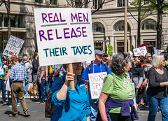 2017.04.15 #TaxMarch Washington, DC USA 02415 (tedeytan) Tags: pennsylvaniaavenue resistance taxmarch taxmarchdc taxmarcdc trumpchicken trumpinternationalhotel donaldtrump protest uscapitol washington dc unitedstates geo:city=washington exif:aperture=ƒ71 camera:make=sony exif:make=sony exif:model=ilce6300 geo:state=dc geo:country=unitedstates camera:model=ilce6300 exif:isospeed=100 exif:focallength=338mm exif:lens=e18200mmf3563