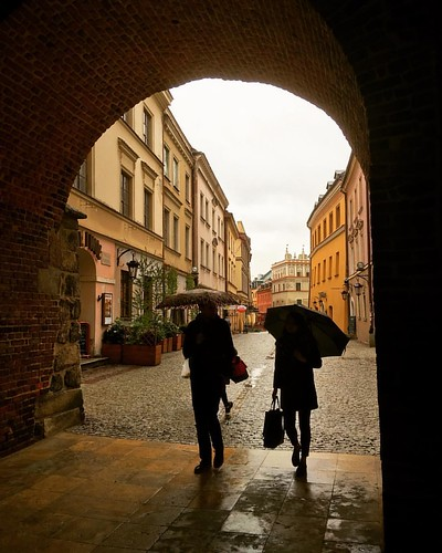 Passing through the wall of the old city at Lublin