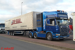 Scania R580 'John Bugg & Son' reg 717 JBJ (1) (erfmike51) Tags: scaniar580 truck artic curtainside fairgroundlorry johnbuggson