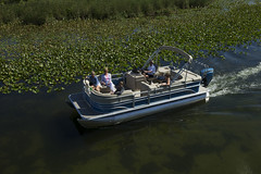 2017 Sunchaser Classic 8522 SG w/ Touring package (thebestboatbrands) Tags: 2017 sunchaser classic 8522 sg w touring package