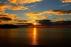 2017-04-25 17.21.35 (anyera2015) Tags: ceuta canon canon70d amanecer playa chorrillo nublado nubes sol